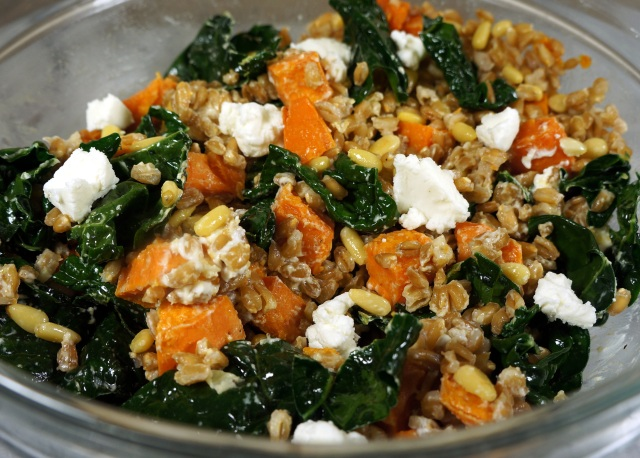 Farro salad with sweet potatoes, kale and goat cheese