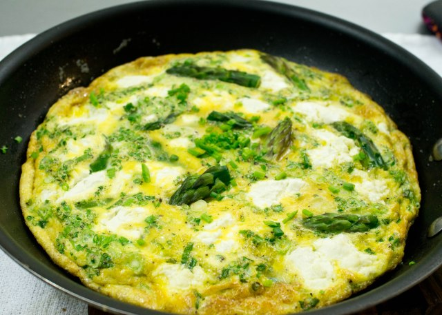 Spring Frittata with Asparagus, Herbs and Goat Cheese | Crumb Coated ...