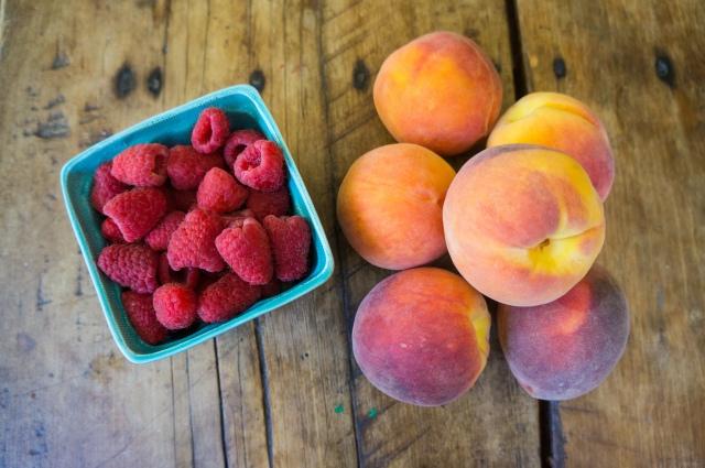 Peach Raspberry Crumble (1 of 6)